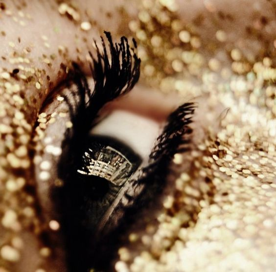Sparkle Class 2016, YSL Beauté – We are not afraid to sparkle!