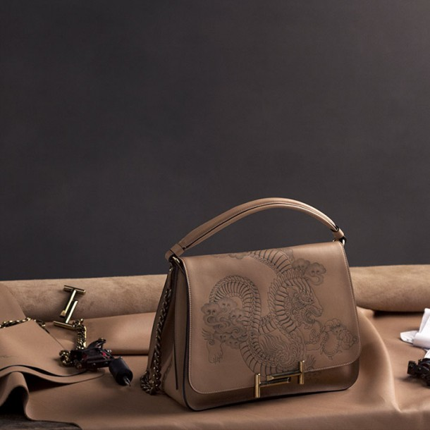 Tod's Limited – Double T Tattoo messenger.
