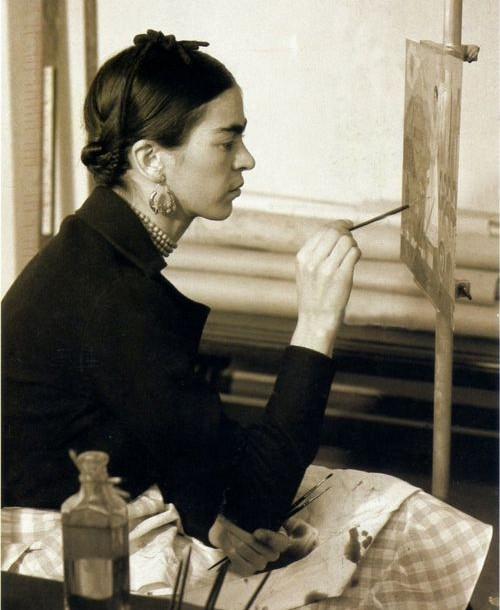 Frida Kahlo: Fashion as the Art of Being!
