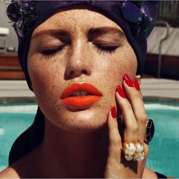 Tropical summer lips! Keep smiling!