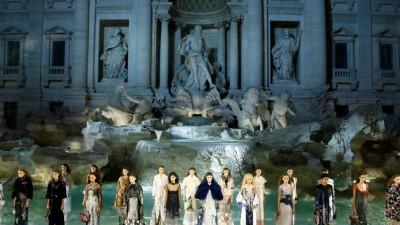 Fontana di Trevi – Fendi's 90th anniversary show!
