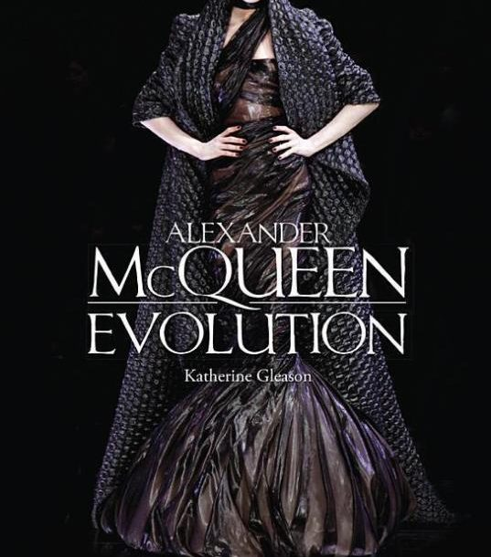 Book: Alexander McQueen – Evolution!