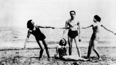 """""""Μέρες στη θάλασσα, όλες τους όμοιες όπως η ευτυχία…""""- Συντροφιά με τον Αλμπέρ Καμί στο Aιγαίο!"""