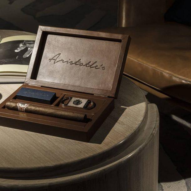 Aristotle's Cigar Lounge Four Seasons Astir  – Με την Αύρα του Αριστοτέλη Ωνάση!