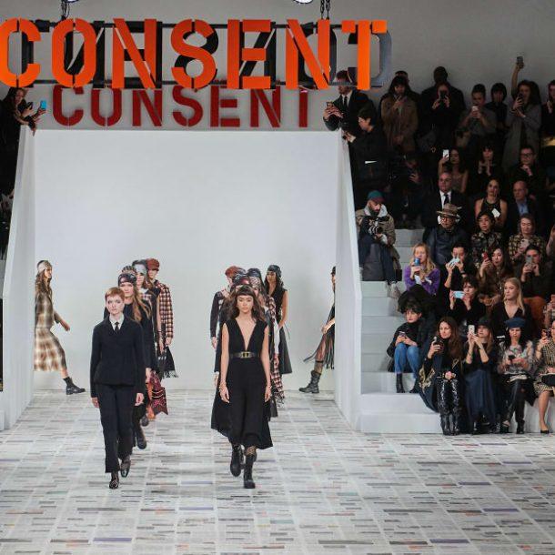Dior F/W 2020-2021 – Η Maria Grazia Chiuri ενημέρωσε το φεμινιστικό της μανιφέστο!