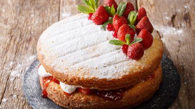 Μένουμε σπίτι – Συνταγή για Victoria Sponge Cake & Financier!