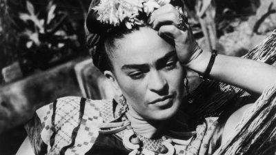 Frida Khalo – Τα κορίτσια σαν εσένα αξίζουν μια αγάπη που μοιάζει πάντα με καλοκαίρι!