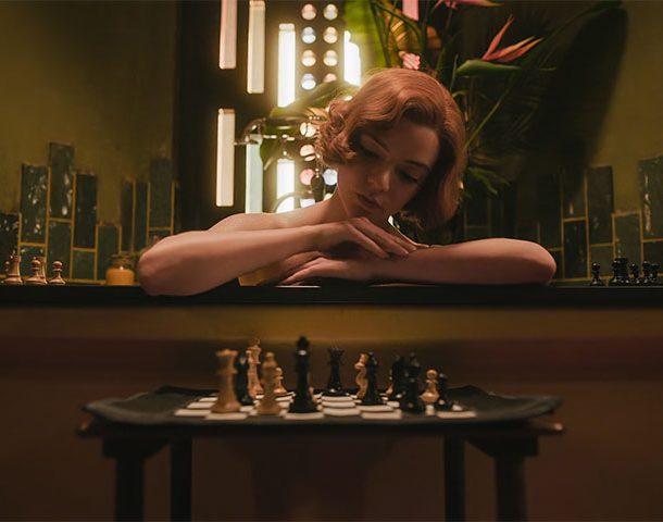 """Netflix """"The Queen's Gambit"""" – Ένα αφιέρωμα στις έξυπνες γυναίκες!"""