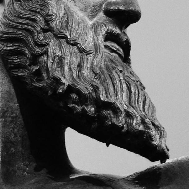 Μεταμορφώσου σε γενειοφόρο θεό, είναι στις ρίζες σου. Made in Greece, the land of bearded Gods!
